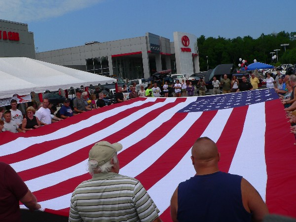 Huge flag at Lia car show 2011